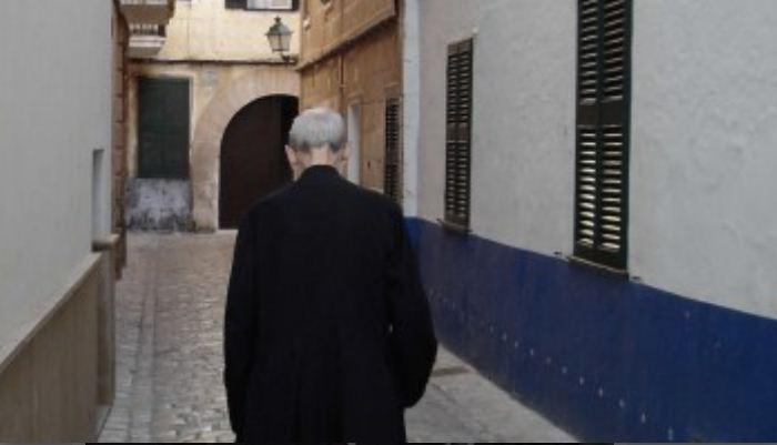 Sacerdote italiano confiesa: 'abusábamos de los niños sordos, los masturbábamos, teníamos sexo