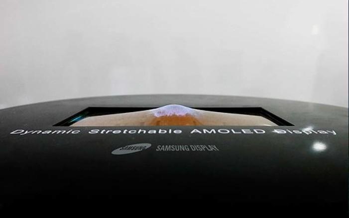 Samsung presenta la primera pantalla elástica