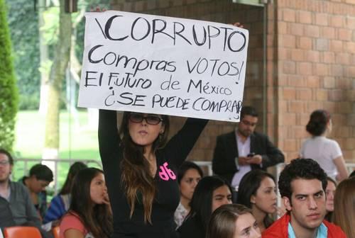 Hace 5 años Peña Nieto fue increpado por estudiantes de la Ibero #YoSoy132