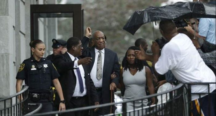 Bill Cosby queda en libertad