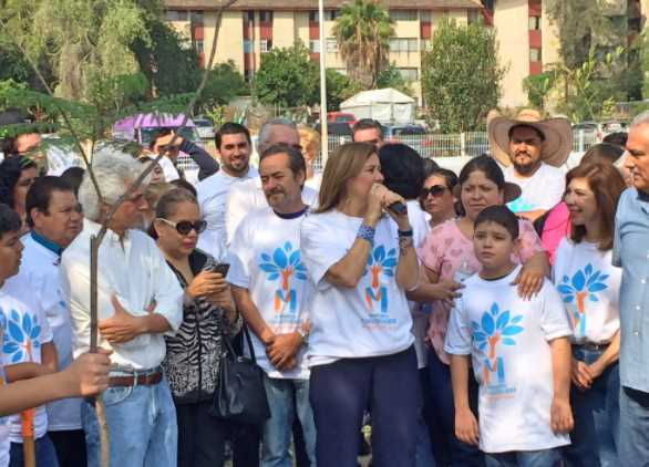 Con poca asistencia Margarita Zavala planta árboles en Jalisco