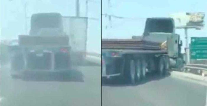 Por jugar 'carreritas' trailer cae de un puente en Nuevo León (video)