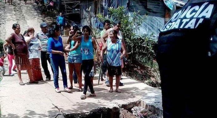 Policías disparan contra una anciana que protestaba en Veracruz