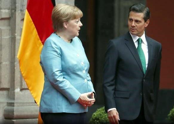 Merkel habló con Peña Nieto sobre violaciones a los DDHH y agresiones a periodistas