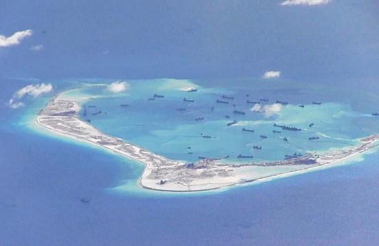 EU se lanza contra China por militarizar el mar meridional