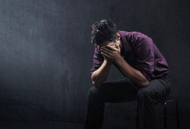 Por miedo a perder respeto, hombres depresivos rechazan ayuda