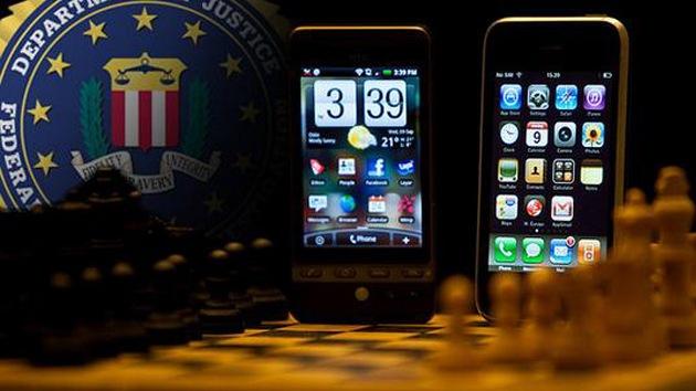 FBI investigará espionaje a periodistas y activistas, PGR pide que dejen revisar sus celulares