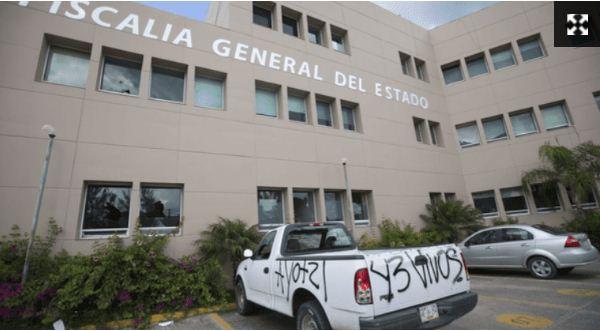Empleados reprobaron exámenes de confianza y siguen trabajando en la Fiscalía de Guerrero