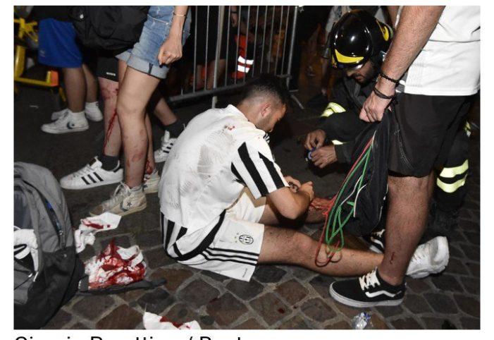 Falsa alarma de bomba deja a varios aficionados de la Juventus heridos  (Video e Imágenes)