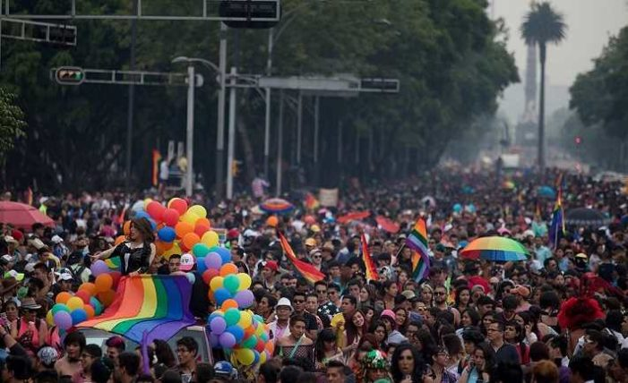 Trump rompe tradición al no reconocer el mes del orgullo gay
