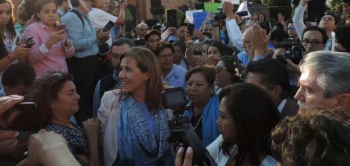 Corren a Margarita Zavala y le gritan asesina en San Luis Potosí