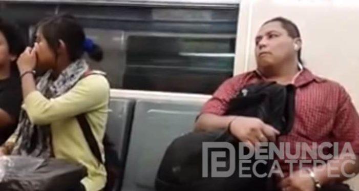 Sujeto masturbándose junto a una jovencita en el Metro (VIDEO)