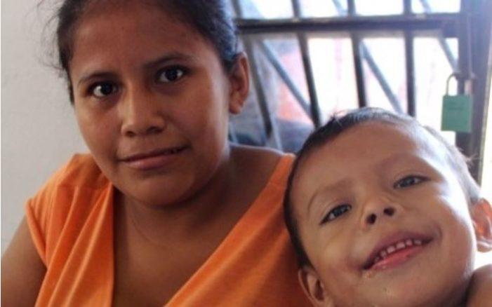 DIF de Veracruz niega apoyo 'por falta de recursos' a niño con cáncer