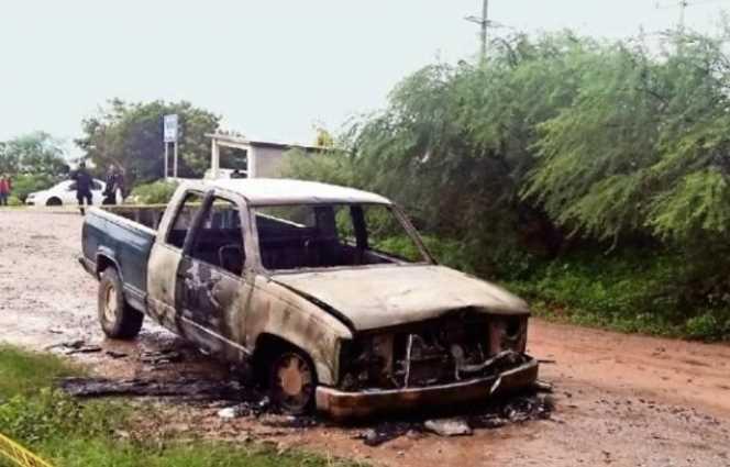 Encapuchados roban y queman paquetería electoral en Juchitán, suspenden comicios
