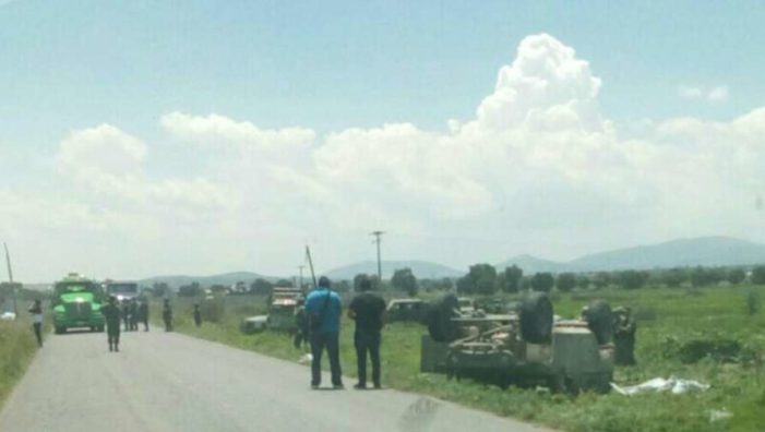 Mueren 2 militares en volcadura, cuando perseguían a huachicoleros