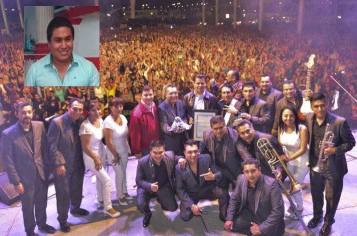Por negar foto a Alcalde priista, 'secuestran' a los Ángeles Azules