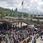 Votaciones en calma en Venezuela; chocan opositores y militares, 5 muertos