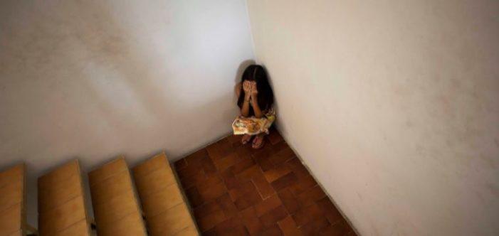 Detienen a maestra de kínder en Jalisco, es acusada de violar a 11 niños
