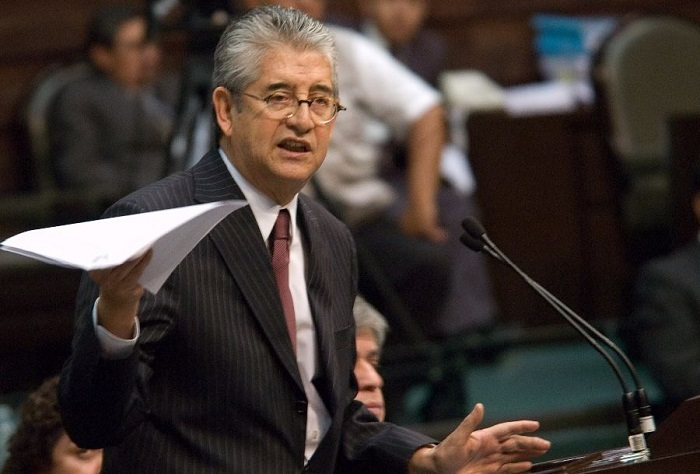 Ochoa Reza es un improvisado y su nombramiento una 'imposición y sumisión'