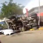 Automovilista capta en VIVO cuando un camión se queda sin frenos (VIDEO)