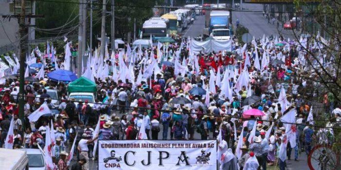 Campesinos marchan contra el Tratado de Libre Comercio del Ángel a Segob