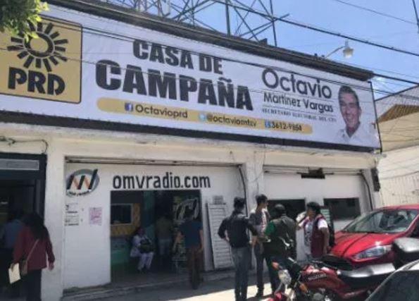 Delincuentes saquean y balean a jóvenes en oficinas del PRD en Ecatepec