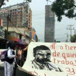 Vecinos 'clausuran' en Coyoacán torre de 32 pisos y marchan por el agua