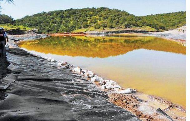 Suman casi 400 casos de personas intoxicadas por derrame de minera en Sonora