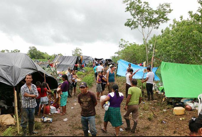 Guatemaltecos desplazados permanecen varados y en pésimas condiciones en Campeche