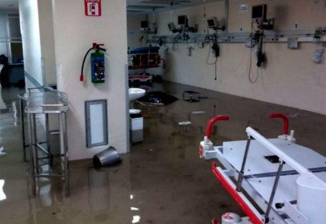 Debido a las inundaciones paran tres días el Hospital La Villa