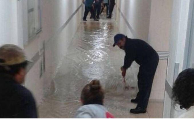 Hospital Xoco se inunda debido a fuertes lluvias