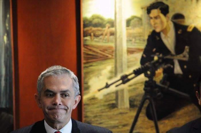 Mancera afirmó que no permitirá la operación de autodefensas en la Ciudad de México