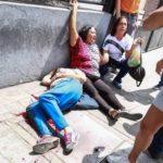 Venezuela lleva a cabo consulta popular; al menos una persona ha muerto