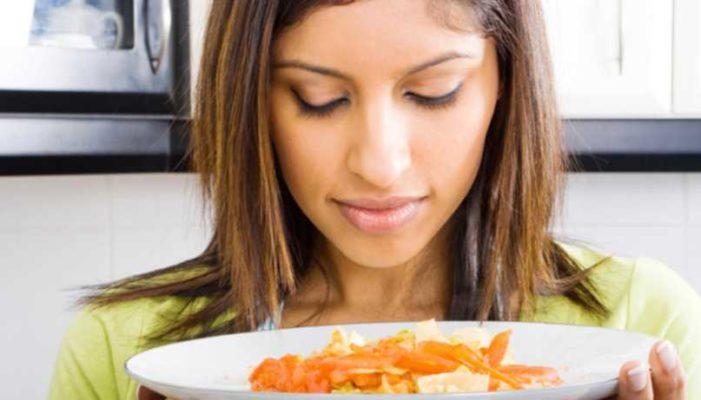 Oler la comida también engorda: estudio de la Universidad de Berkeley