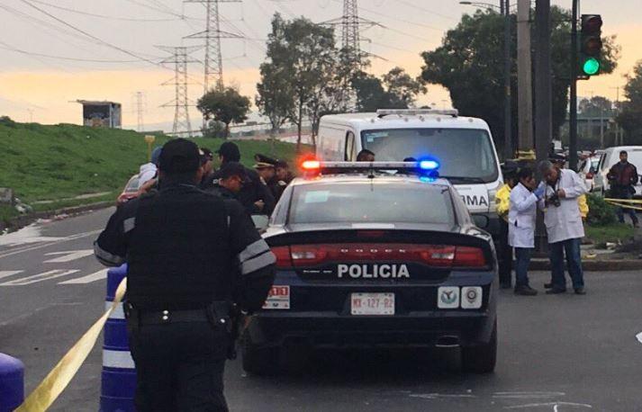 Taxi arrastra 100 metros a policía en la colonia Morelos