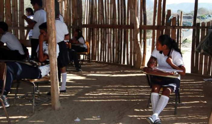 Poeta náhuatl lamenta que la educación indígena en México sea 'marginal y excluyente'