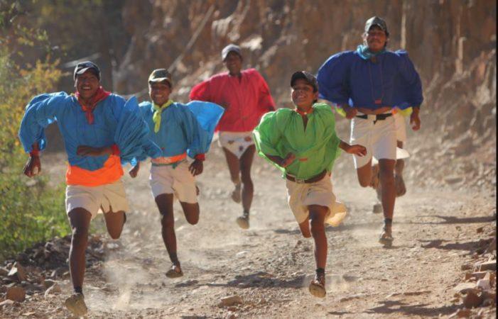 Corredores rarámuris competirán contra extranjeros en maratón