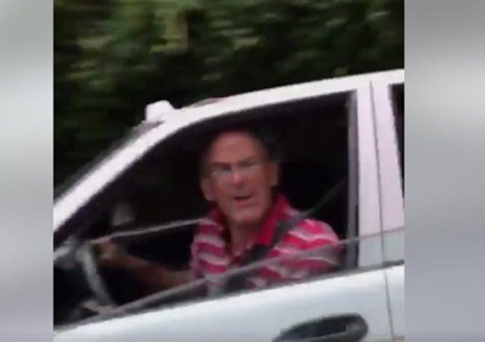 "¡Pinche vieja pend…! ¡Chin… a tu madre!"" y otros insultos de taxista a mujer (VIDEO)"