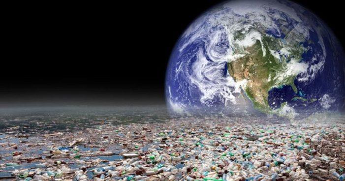 Miles de millones de toneladas de plástico se acumulan en la Tierra