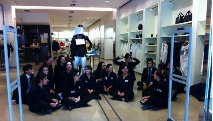 Empleados de Zara protestan por mala situación laboral