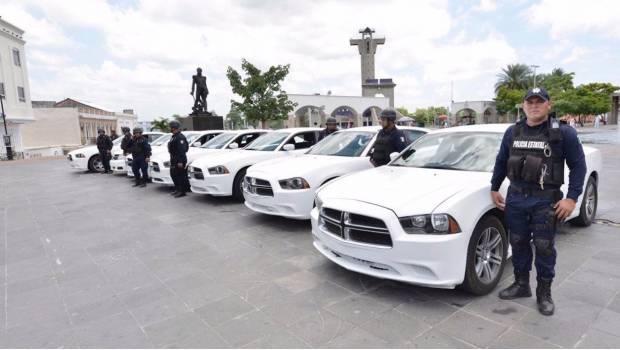 Mancera ahora 'regala' patrullas a Tabasco; inseguridad crece en la Cd de México