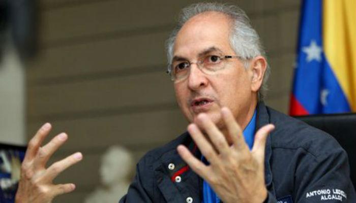Antonio Ledezma deja cárcel militar y vuelve a arresto domiciliario