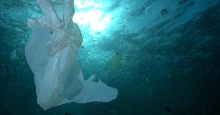 Encuentran acumulación de basura del tamaño de Colombia en el Pacífico Sur