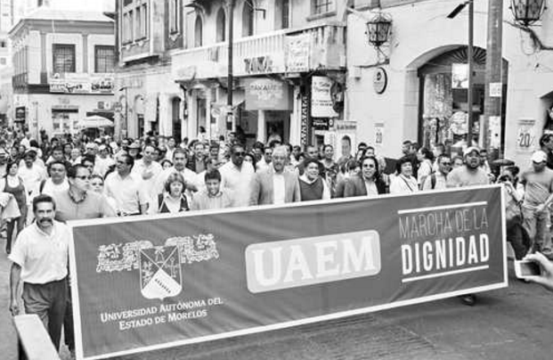 Rector de la UAEM denuncia ante PGR a Graco Ramírez por retener recursos