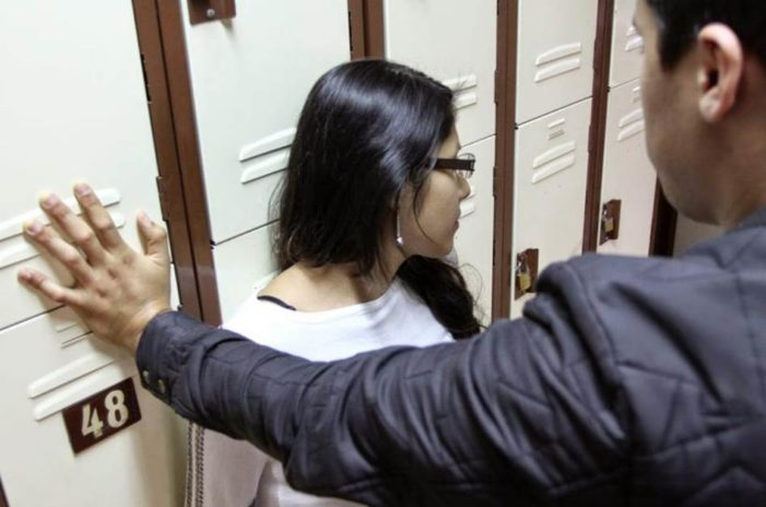 Profesor de Oaxaca amenazaba a sus alumnas: 'si no se dejaban tocar, las expulsaría'