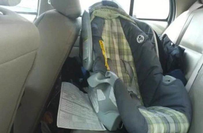 Bebé muere por deshidratación en Aguascalientes, madre lo dejó dentro del auto