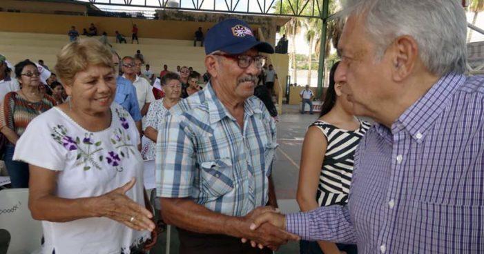 AMLO propone a Morena destinar 20% del gasto de campaña para damnificados