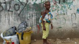 Angola, país petrolero hundido en una crisis económica por la corrupción
