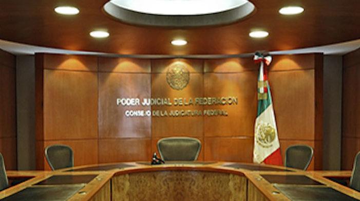 Magistrado destituido por corrupto pide 93 mdp por 'daño emocional'