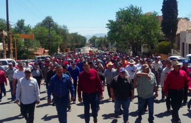 Grupo México desaloja violentamente a ex mineros de Cananea, hay heridos y detenidos